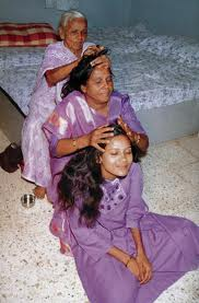 indian head massage 3 people